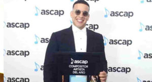 Read more about the article Daddy Yankee, compositor del año